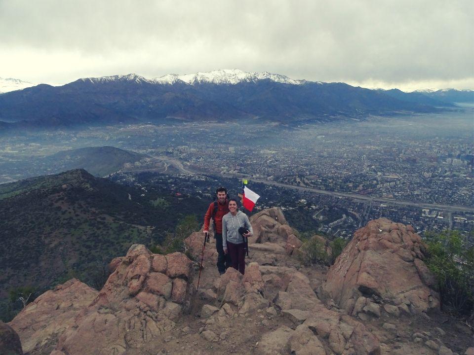 en la cima del cerro manquehue en Santiago