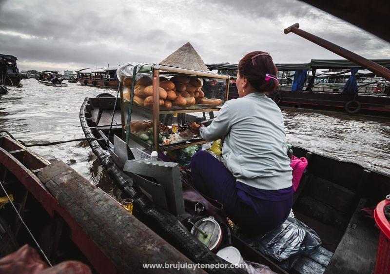 vendedora ambulante en vietnam