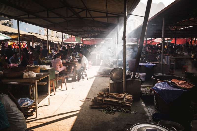 mercado de Dong Van en el norte de Vietnam